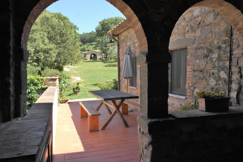 View from the entrance: veranda and garden