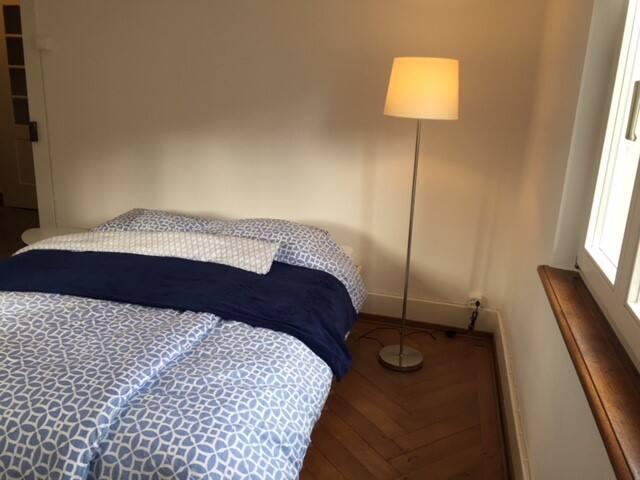 Doppelzimmer in ruhiger, gemütlicher Altbauwohnung