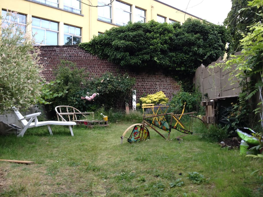 Nice appartment etterbeek schuman appartements louer for Amenagement petit jardin 70m2