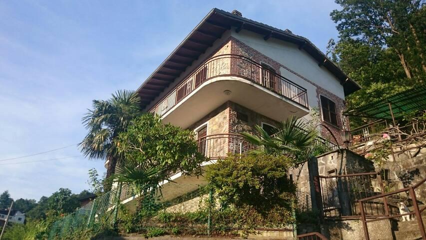 Comodo appartamento  con vista lago - Tronzano Lago Maggiore - Daire
