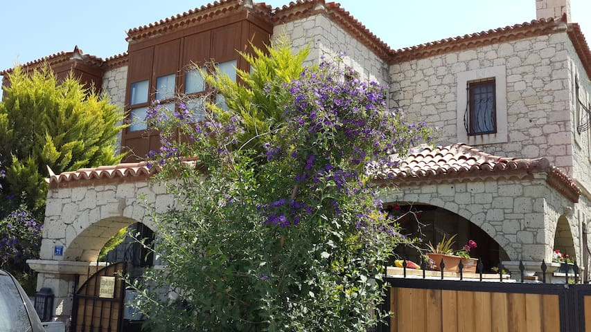 Alaçati köy içinde nostaljik taş ev - Alaçatı