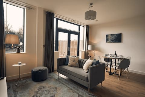 Newly Built One Bedroom Apartment with Patio