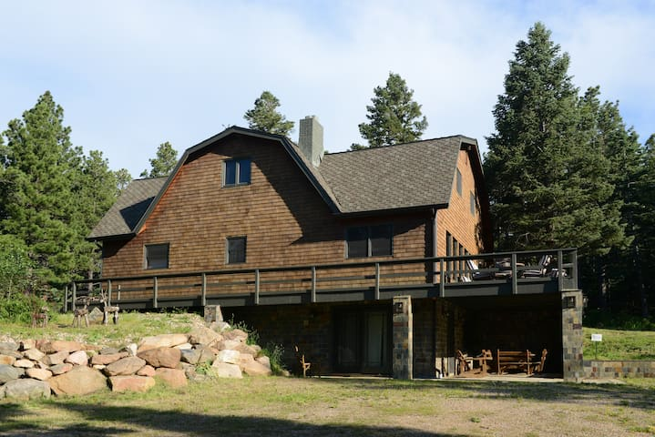 The Craftsman Lodge Apartment