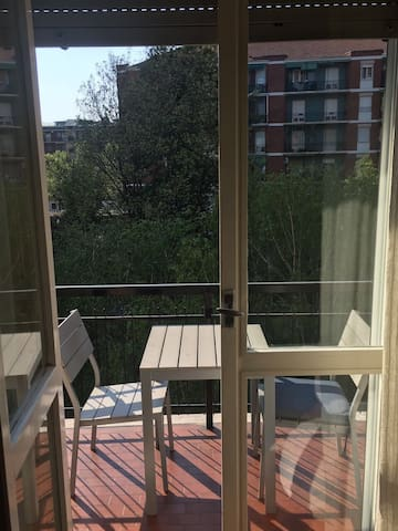 Amazing and sunny flat with Canal view - Milano - Apartment
