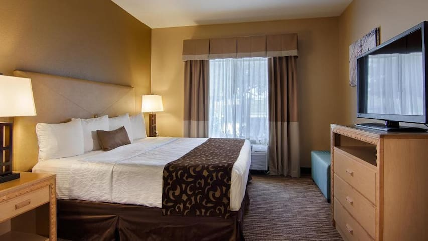 Bright Suite Double Bed Non Smoking At Dfw Airport Area – Irving