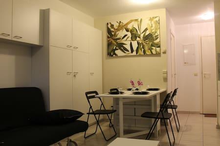 mooie studio (4 pers.) in De Panne - De Panne
