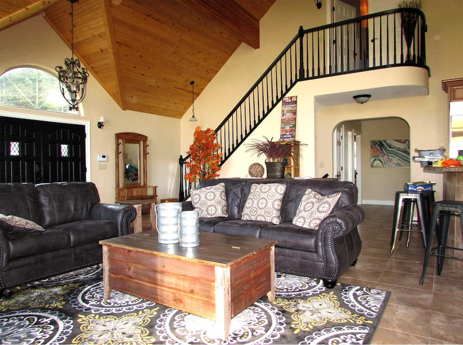 Large family room next to kitchen for EZ entertaining. Stair to master bedroom