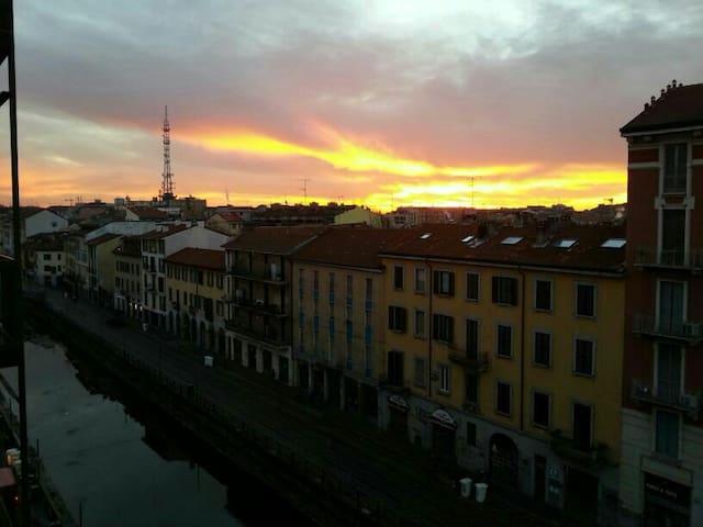Naviglio L'alba  vista da casa mia