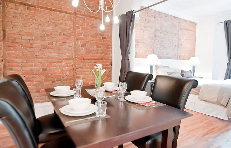 Luxurious Plateau Apartment - Apartments for Rent in ...