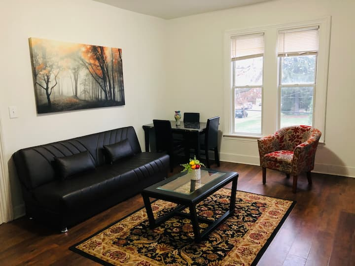 2nd Floor One Bedroom Fully Renovated Apartment