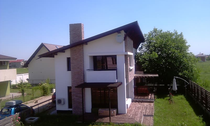 Quiet house for rent - Otopeni - Casa