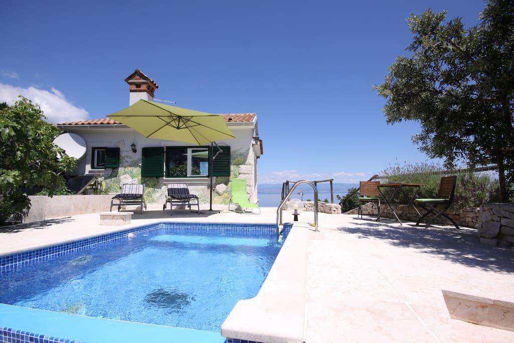 Villa Roccia e piscina