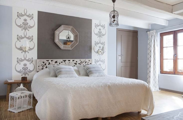 Chambres d'hôte 2eTome - Libin - Bed & Breakfast