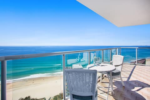 Surfers Paradise 26th floor ocean view apartment.