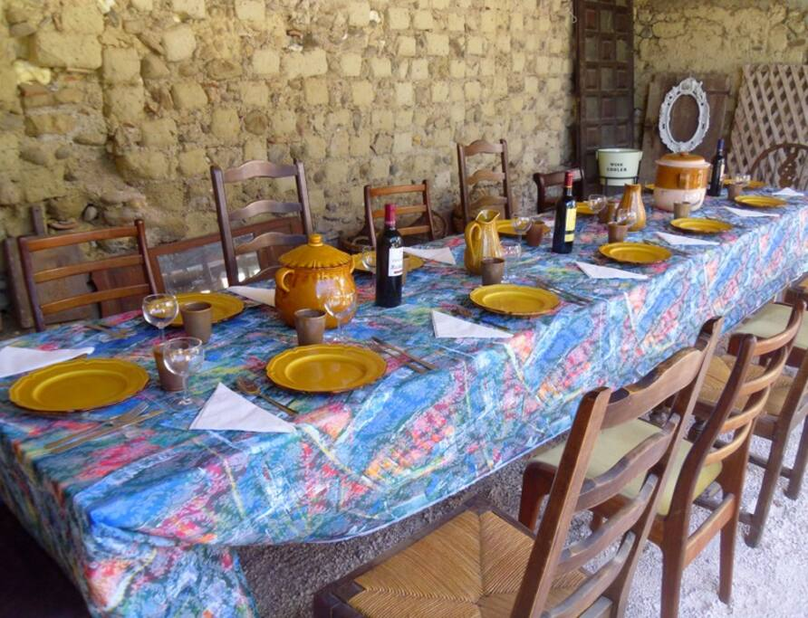 Summer alfresco dinning in our traditional farmhouse built in 1859