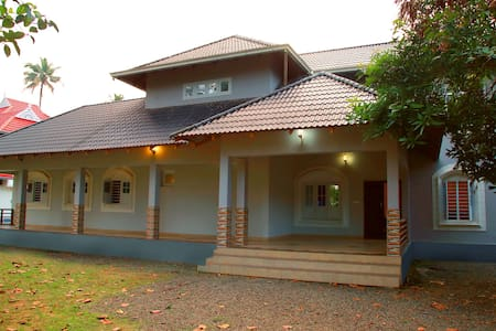 Traditional Spacious Chalet,with modern amenities