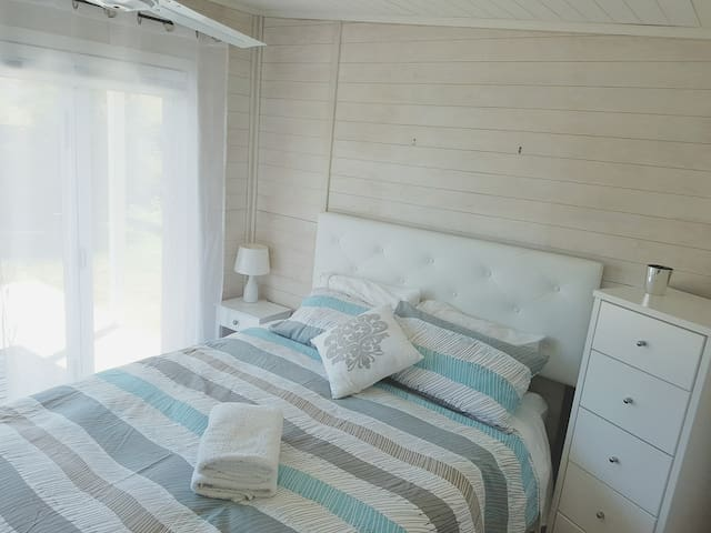 Change of linen between all guests so your room may look like this (note there is ONE queen bedroom, not two different rooms).   Our cottage is primarily for friends & family, not like others that are nearby with cheap furnishings just for Airbnb.