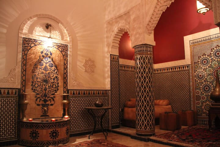 Amazing whole riad in Fez medina !