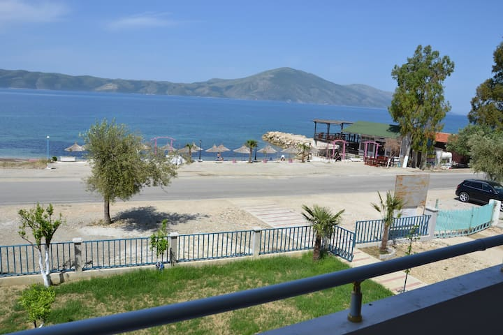 Holiday Apartment #3 in Vlora Beach - Radhimë / Orikum - อพาร์ทเมนท์