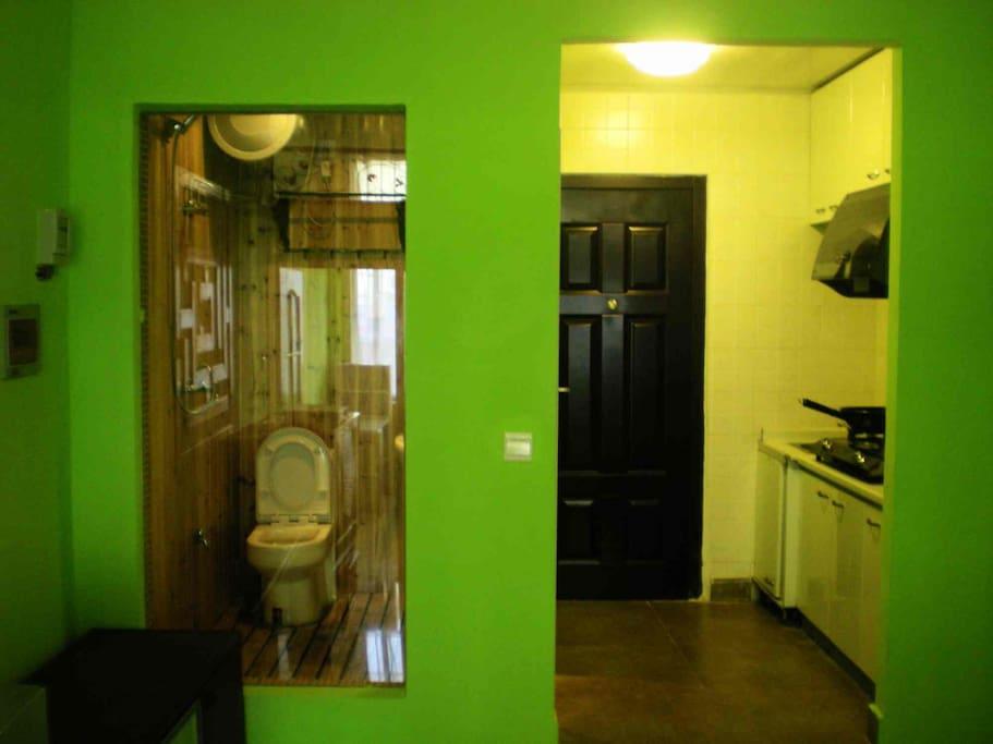 厨房和卫生间