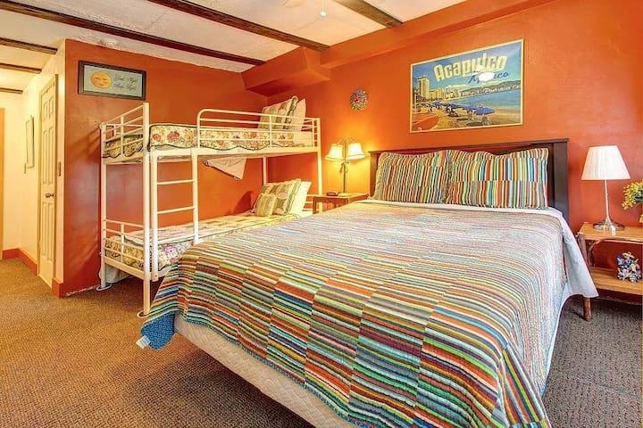 Acapulco room
