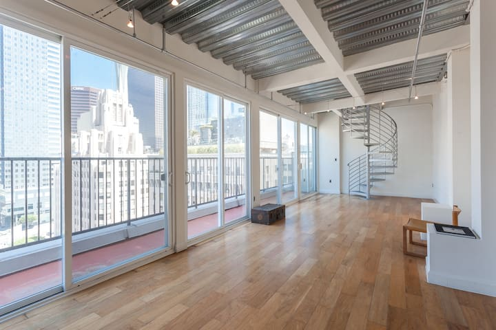 DTLA Penthouse/Epic Views/Balcony - 洛杉磯 - Loft空間