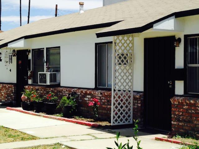 Charming Cozy Cottage - CloseTo Universal Studios