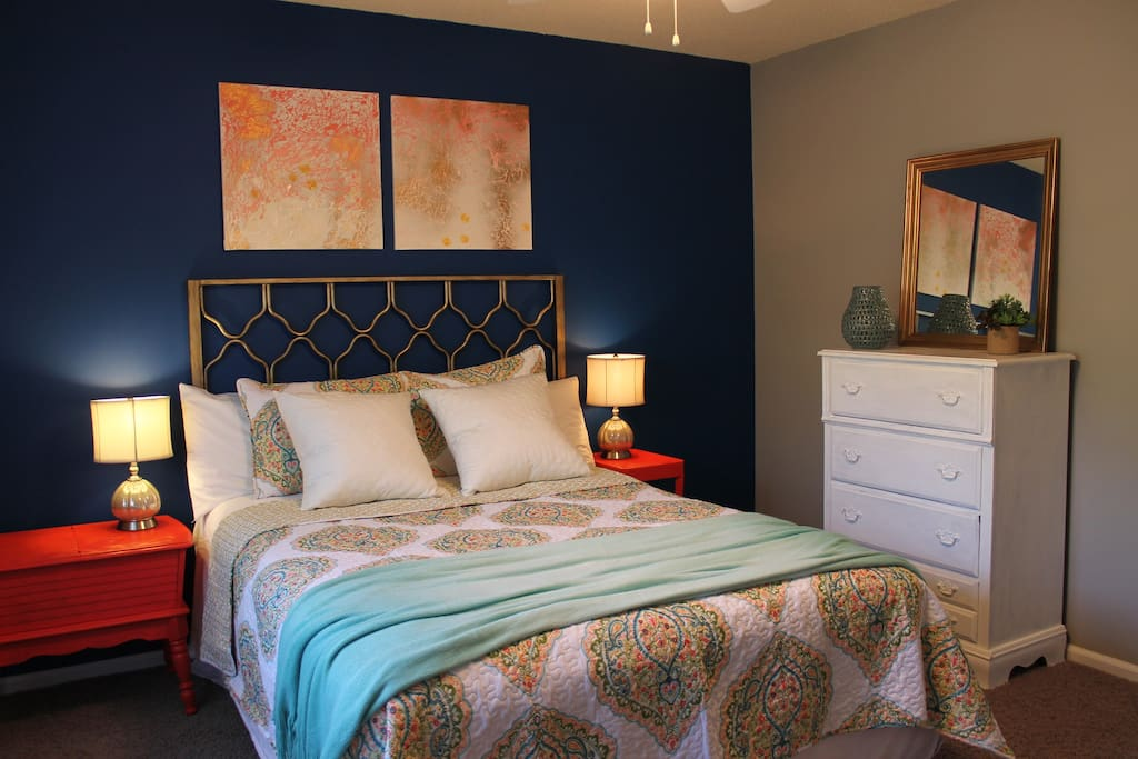 Fully furnished townhome in knoxville tennessee united for Bedroom furniture knoxville tn