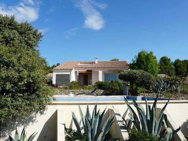 Rustig gelegen luxe vakantievilla - Siran - Huis