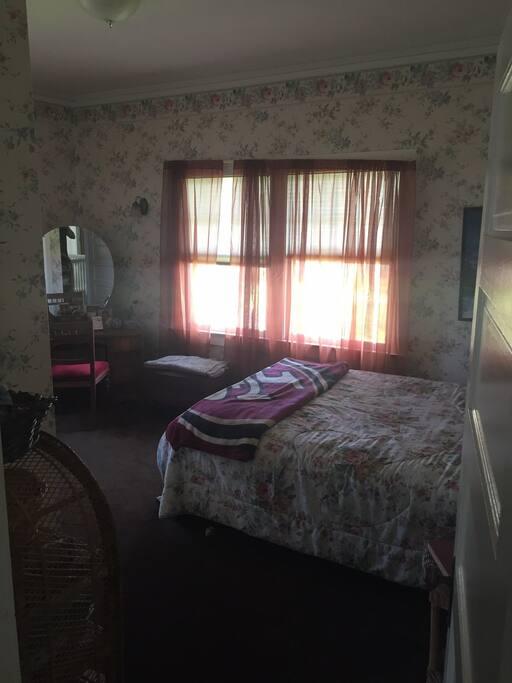 upstairs bedroom, queen bed.