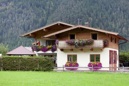 Atractivo apartamento con piscina en el Tirol de Waidring