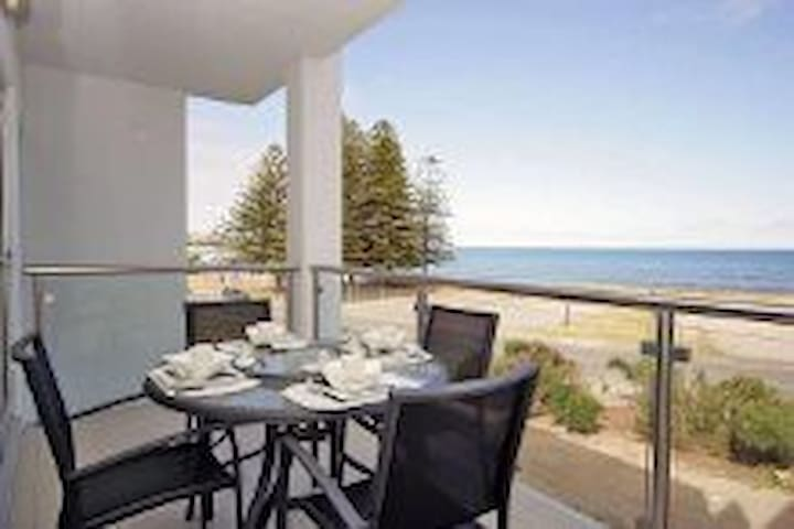 LUXURY OCEAN VIEW APARTMENT - Hindmarsh Rd, Victor Harbor SA 5211, Australia - Apartemen