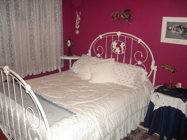 Barbara's Room, the Holiday Suite  - Blacks Harbour - Szoba reggelivel