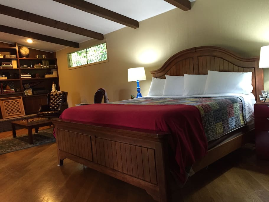 Spacious room with new king size bed