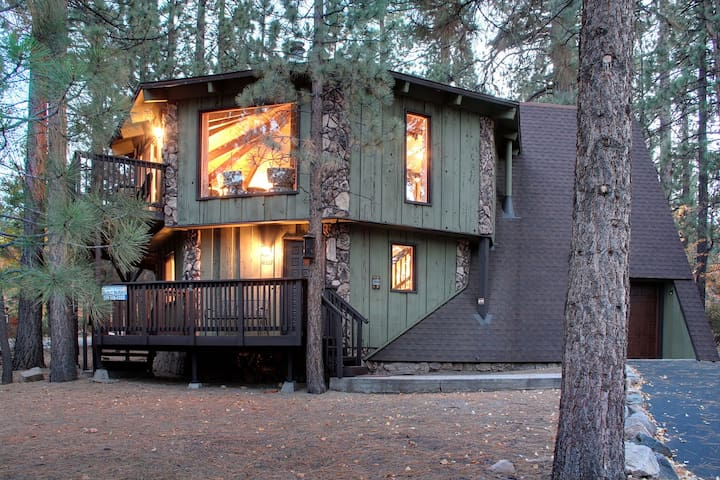 MAY SPECIALS~TREE HOUSE IN THE PINES~SUPER CLEAN! - Big Bear Lake - Rumah