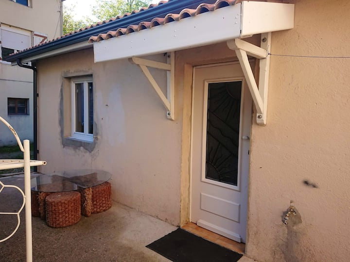 Apartment with one bedroom in Penne-d'Agenais, with terrace and WiFi