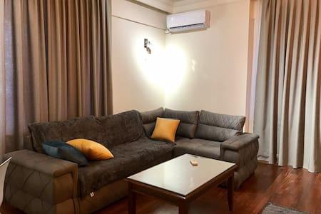Новая , уютная квартира в центре города .