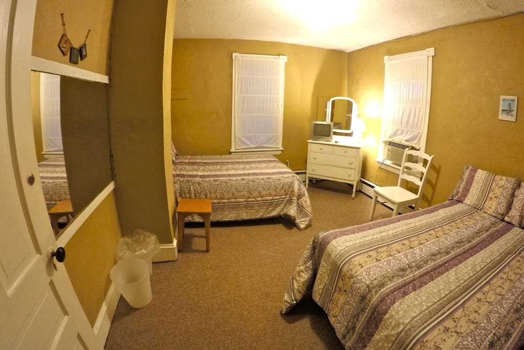 Room with 2 Full Size Beds