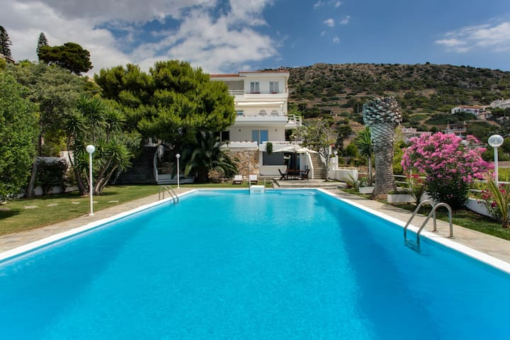 Beautiful, Private Villa by the Sea - Agios Dimitrios - Villa