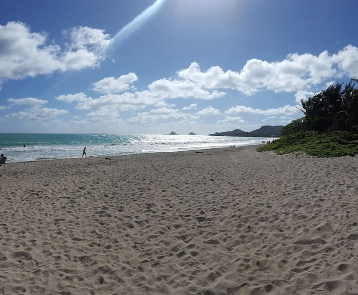Kailua Beachside 2bed/2Bath Sleeps 8