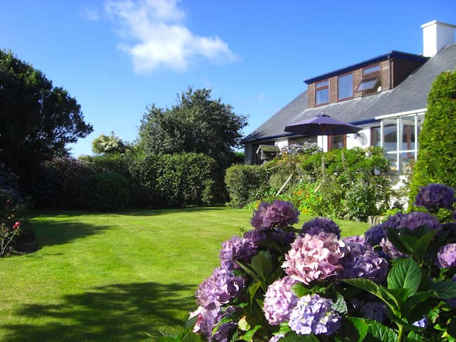 Abersoch Holiday Home - Families Only (Sleeps 2-7) - Abersoch - Bungalow