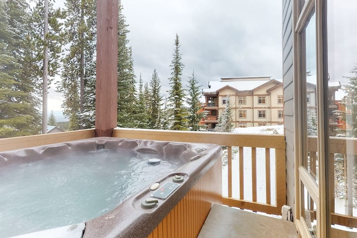 New listing! Dog-friendly ski-in/ski-out chalet w/ private hot tub & garage