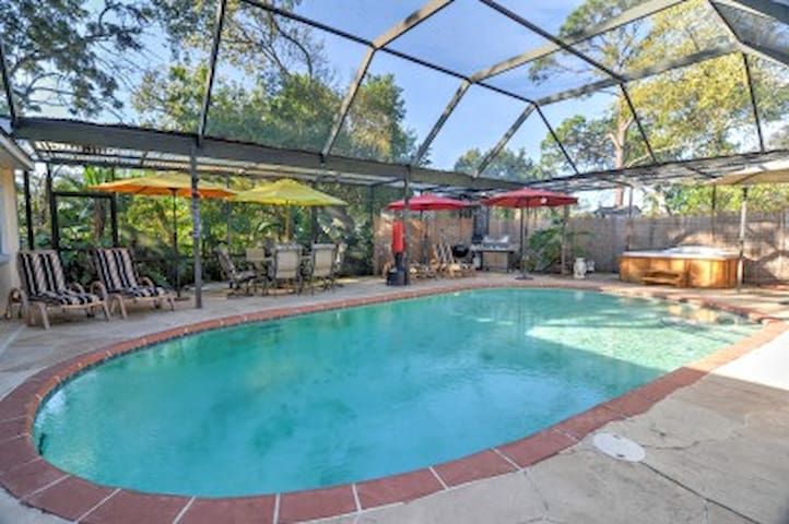 Tarpon Springs Studio w/ Shared Pool Area! - Tarpon Springs - Appartement