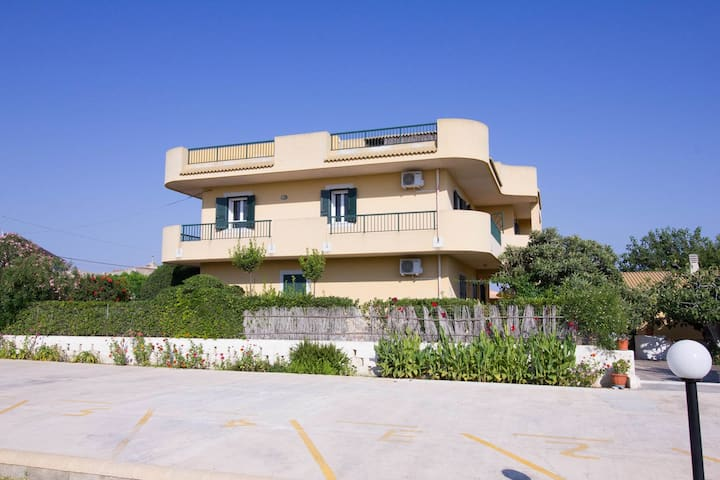 Residende Gabbiano / Residence Gabbiano Downstairs
