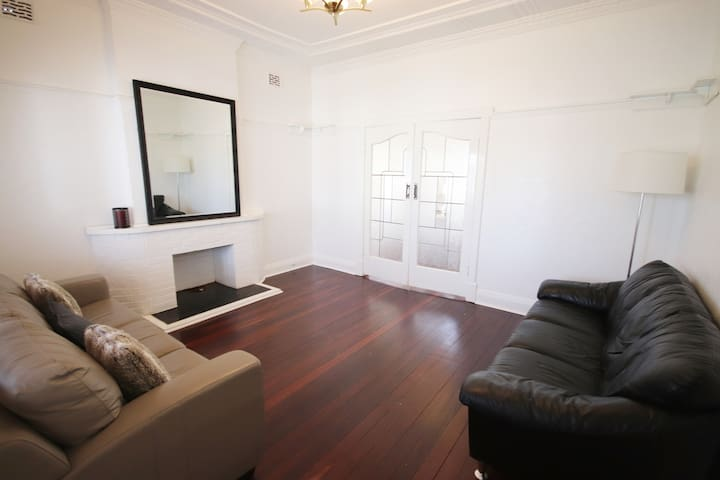 Renovated Charming House in South Perth