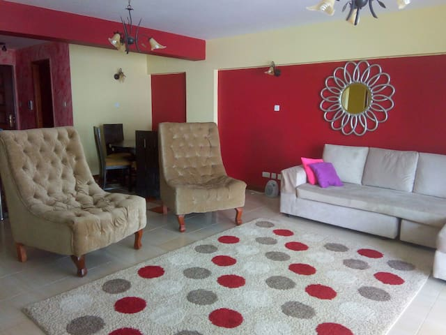 Cosy 3 Bed Furnished Apartment - Family Friendly