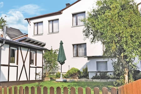 Holiday cottage with 2 bedrooms on 97m² in Herschdorf