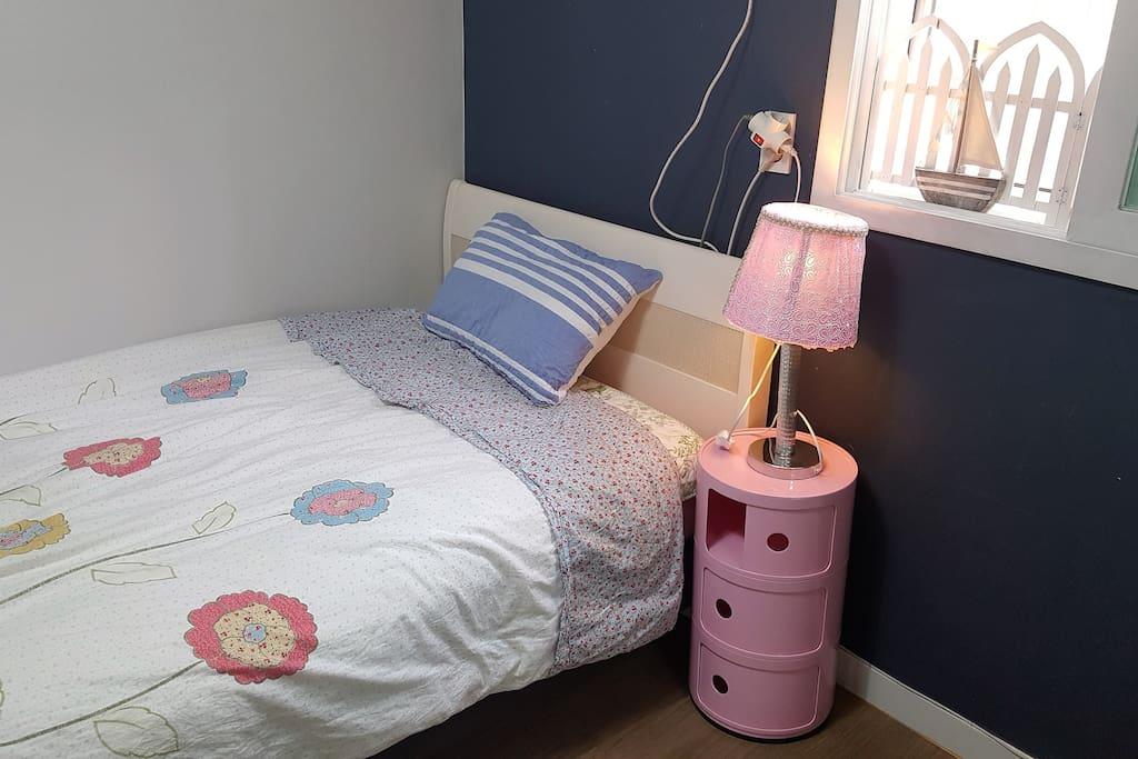Cozy single room