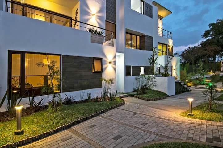 Bella habitacion hermoso vecindario - Guatemala
