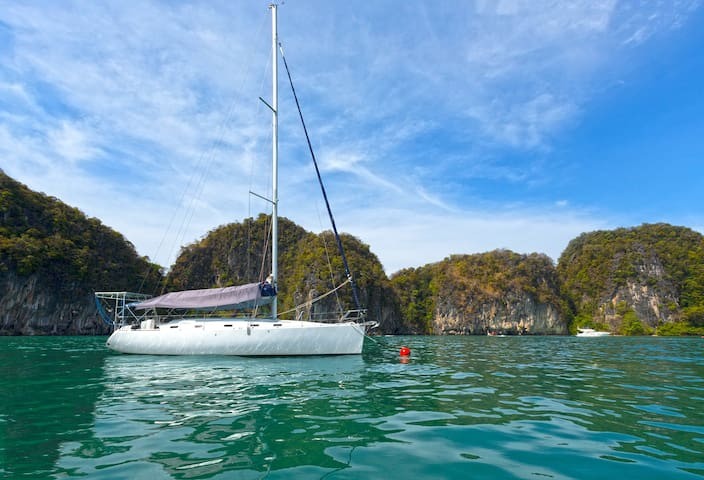 Bed&breakfast on a sailing yacht with full seaview - ภูเก็ต - เรือ